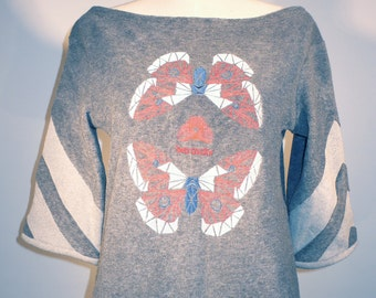 sweatshirt embroidered with butterflies