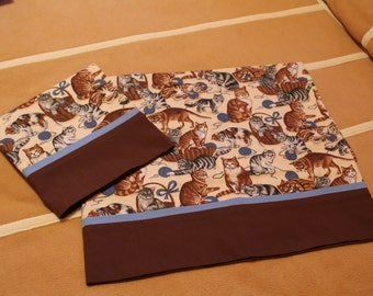 1 pr cats pillow cases