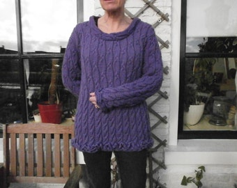 Knit cable sweater size m, purple.
