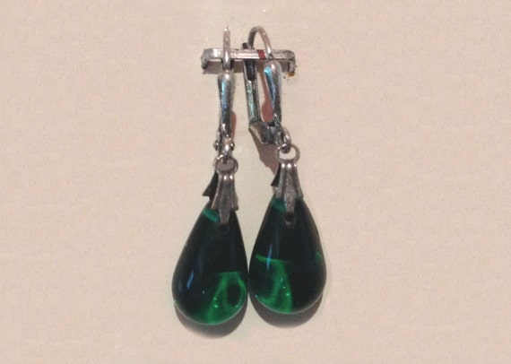 Glass Tear Drop Earrings - Emerald