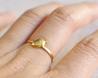 tiny acorn ring . acorn stacking ring . silver acorn ring . gold stackable acorn ring . woodland ring . woodland jewelry // 4ACRN