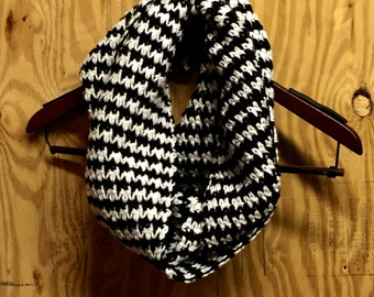 Black & Soft White Hounds Tooth Infinity Scarf, Infinity Scarf, Hounds tooth Scarf