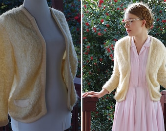 Noodle POODLE 1950's 60's Vintage Cream White Bouclé Knit Wool Acrylic Cardigan Sweater // by I.MAGNIN // size Medium