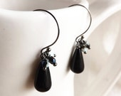 gunmetal earrings with onyx beads and czech crystals - cluster earrings in black and violet - consuelo jet earrings