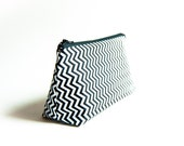 40 % OFF Cyber Monday Sale, Handmade Cosmetic Pouch Clutch Bag Purse, bridesmaid clutch pouch in white black zigzag chevron