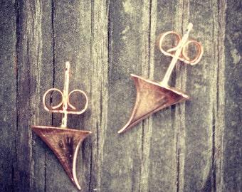 14k rose gold thorn stud earrings