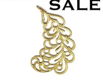 Brass Filigree Leaf Pendant - Left Facing (4X) (V209) SALE - 25% off