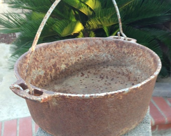 Cast Iron Camping Pot With Handle