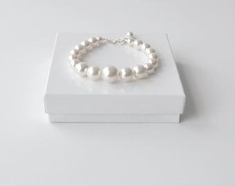 White Pearl Bracelet, Large Pearl Bracelet, Chunky Beaded Bracelet, Bridesmaid Jewelry, Swarovski, Pearl Bridal Bracelet, Modern Jewelry
