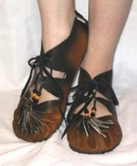 Simple Renaissance Shoes In Costumes Reenactment Theater