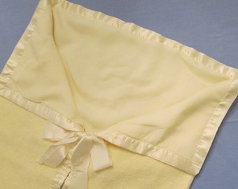 Vintage Baby Clothes/Doll Clothes -  Yellow Flannel Bunting