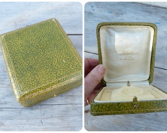 Vintage Antique French jewelry trinket box for a necklace pendant or a medal