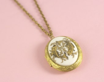Pisces locket necklace cameo astrology zodiac retro long brass chain