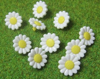 White Daisy Flower Novelty Buttons