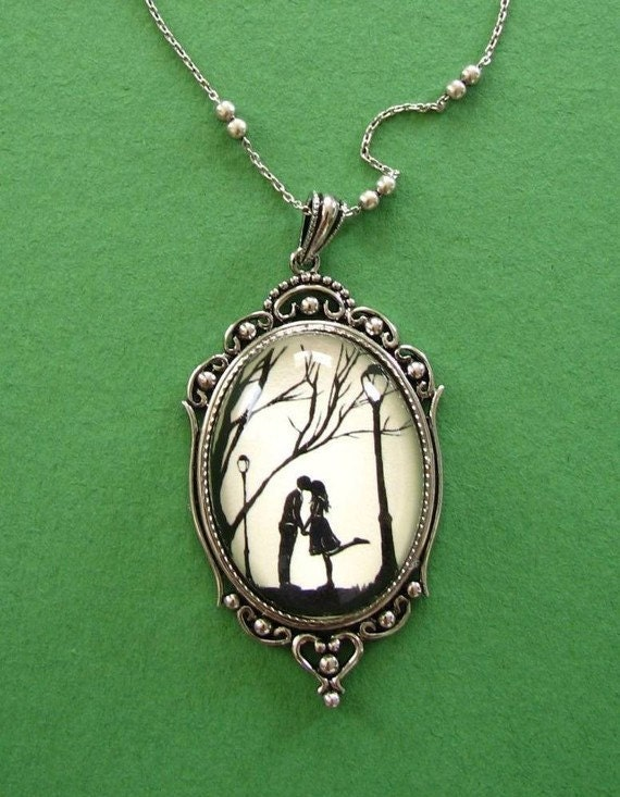 Sale 20% Off // AUTUMN KISS Necklace - pendant on chain - Silhouette Jewelry // Coupon Code SALE20