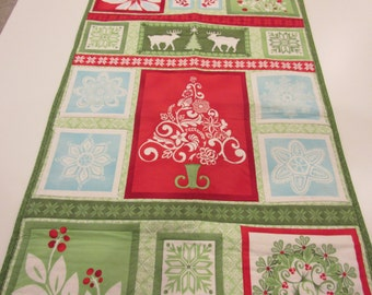 Quilted Wall Hanging for Christmas or Holidays in Red, Green and White
