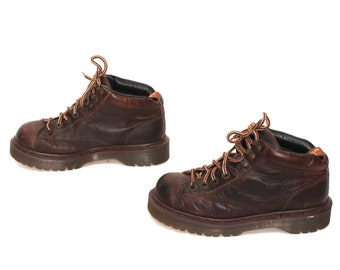 size 8 DOC MARTEN brown leather 80s 90s PLATFORM lace up ankle boots made in england