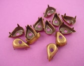 12 antique gold brass ox pear tear prong setting 13x8 no ring rivet hole