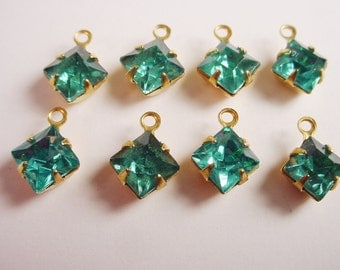 Vintage Aquamarine Square Rhinestones 6mm In Brass Prong Settings 1 Ring Closed Backs - 8 Pieces