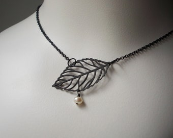 Leaf and Pearl Necklace, Black inspired by nature casual everyday winter forest woodland goth gothic elegant chic short trendy  choker women
