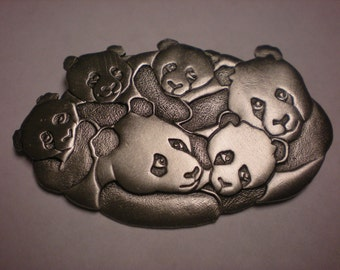 jj pewter pin PANDA BEAR and FAMILY