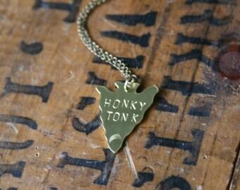 HONKY TONK Brass Arrowhead Pendant Necklace