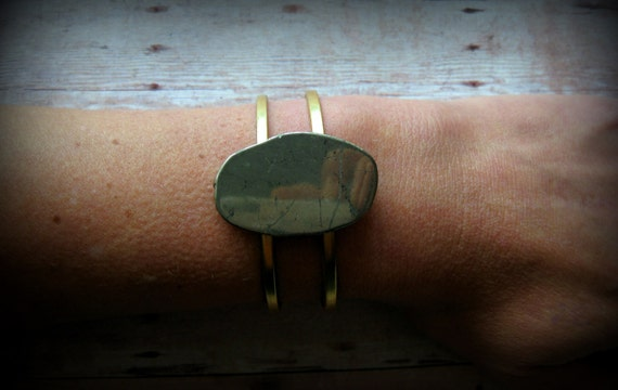 PYRITE SOLO - Pyrite Slab Stone on raw brass adjustable double-banded cuff. Pyrite Stone Cuff.  Glam Rock  Modern Boho Chic