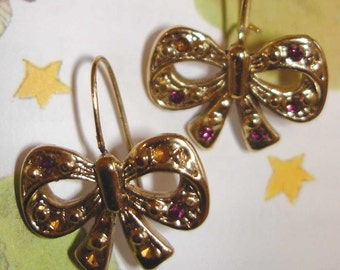 cute vintage golden bow pierced earrings UPCYCLE or WEAR