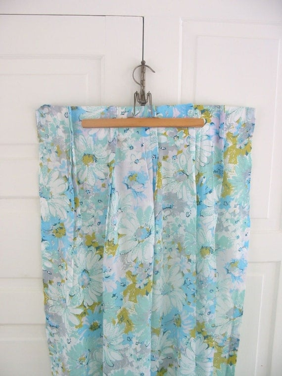 vintage set curtains drapes aqua blue flowers girl fabric linens pinch