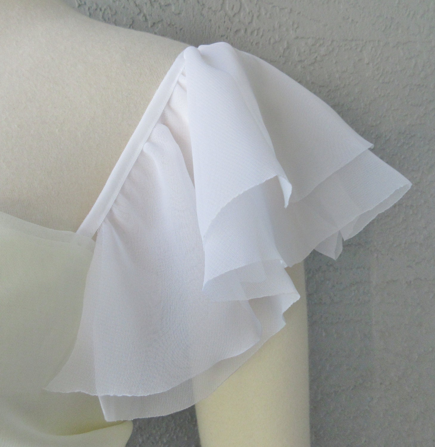 Detachable Ivory or White Chiffon fabric by Chuletindesigns