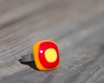 Fused Glass Ring - retro - orange, red and yellow