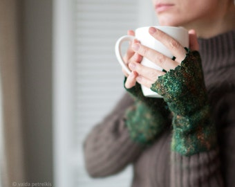 Felted fingerless gloves Wool fingerless mittens Felt arm warmers in dark emerald green with shiny multicolor surface