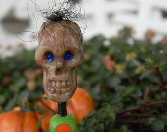 Tiny Skull head stake  for your terrarium     Hand Painted Fall Halloween Decoration
