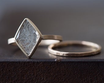 Natural Clear-White Geometric Diamond Slice Ring
