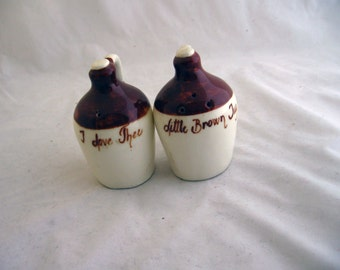 Hillbilly - 1960s little brown jug salt pepper shaker set