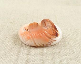 SALE ---- Size 6 Vintage Carved Shell Pink Bird Ring