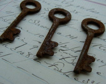 3 Antique Rusty Skeleton Keys Perfect Size for Assemblage and Jewelry Supplies