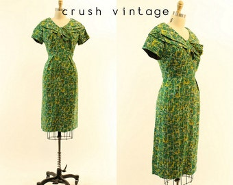 40s Dress Novelty Print Large / 1940s Vintage Animal Print Silk Dress / Cats and Dogs Frock