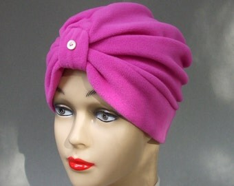 Micro Fleece Turban Classic in Orchid with Pearl Button Detail, S,M