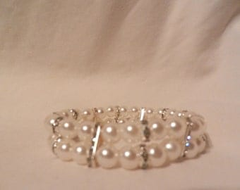 Charming  Beads Stretch Faux Pearl  Rhinestones Sparkle  Bracelet