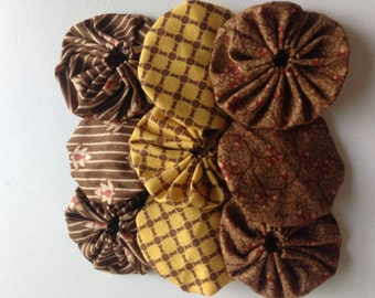 9 Fabric Yoyo Pieces in yellow and brown civil war fabrics for scrapbooking, quilt, card Embellishment APPLIQUE GARLAND