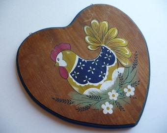 vintage chicken, hen, vintage wall hanging, eggs, wood plaque, heart shaped, vintage home decor, kitchen decor, Country Cottage, unique