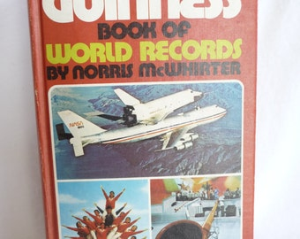 vintage 1979 Guinness Book of World Records, Norris McWhirter, black white pictures,color pictures,reference book,interesting book,hardcover