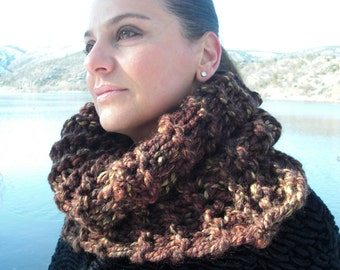 Thick Knit Cowl Scarf   Knit  Scarf  Womens Circle Scarf   Brown Cowl    winter  Accessories Fall Knit Accessories