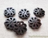 6PCS Wooden Buttons, Painted Color - Dark Color Retro Pierced Flower Floal Shape Buttons (6PCS, D=2cm)