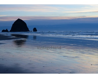 Haystack Rock Digital download / Oregon coast / silhouette / beach / sunset / Rocky shore / Photograph / Art download / Home Decor