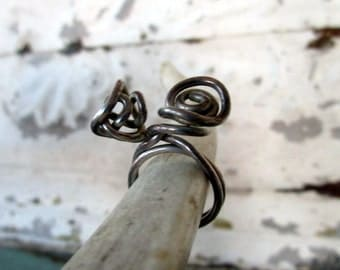 Vintage sterling silver Modernist Abstract Wire Ball Ring