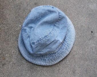 Denim bucket hat. S/M
