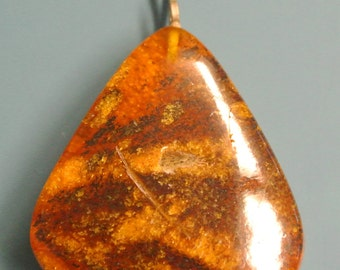 Vintage 1960s India-made handmade small triangular natural organic baltic amber pendant necklace with silvercolor metal  chain