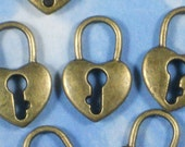 8 Bronze Heart Locks Charms Antique Brass Tone 2 Sided 20mm (P1568)